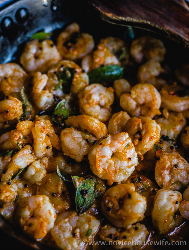 GMT : Prawns in garlic and curry leaves - The Novice Housewife