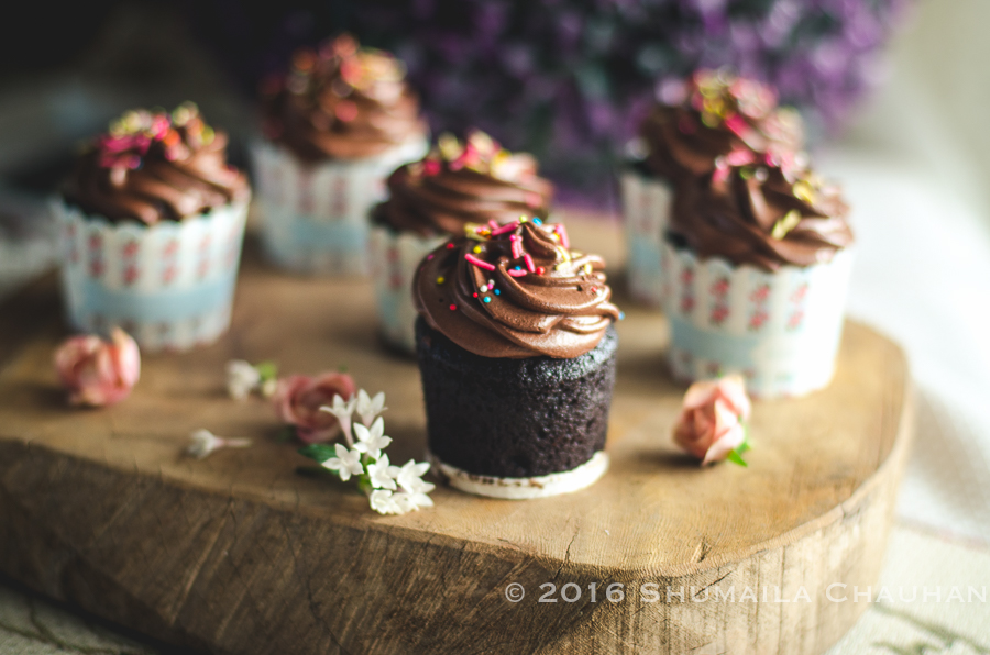 Chocolate Cupcakes With Peanut Butter Filling And